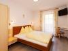 Zimmer1_7-16x9-2